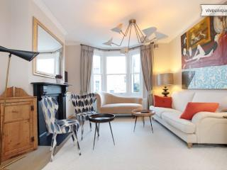 4 bed family house on Broadhinton Rd, Clapham - London vacation rentals