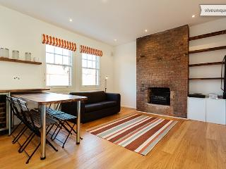 Modern 2 bed on Goldhurst Terrace, South Hampstead - London vacation rentals