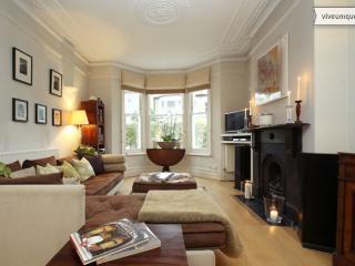 4 Bedroom Townhouse, Marmion Road, Clapham - London vacation rentals