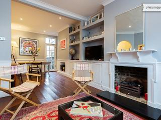 French-style 3 bed home, Townmead Road, Fulham - London vacation rentals
