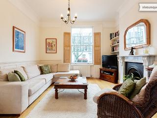 Lovely 2 bedroom maisonette in vibrant Islington, Offord Road - London vacation rentals