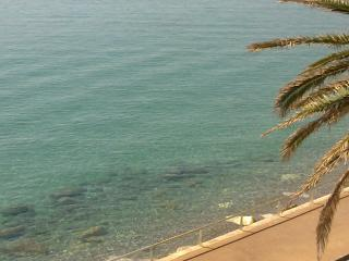 Alloggio fronte mare - Menton vacation rentals