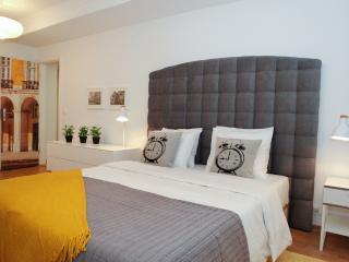 Yelow Tram apartment, Alfama Lisbon - Lisbon vacation rentals