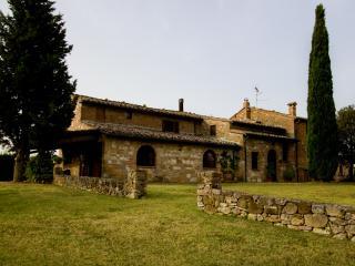 ORTAGLIA - Montepulciano vacation rentals