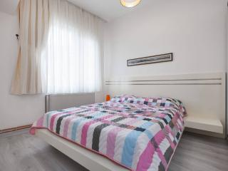 Beautiful Condo with Internet Access and Dishwasher - Istanbul vacation rentals