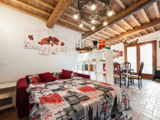 Vacation Home Tuscany Filettole 3 - Vecchiano vacation rentals