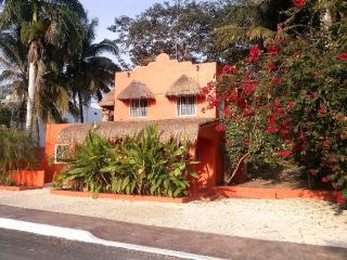 Casa Naranja - Bacalar vacation rentals