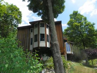 Lake Illyria Estate! Mohonk, Minnewaska New Paltz! - New Paltz vacation rentals