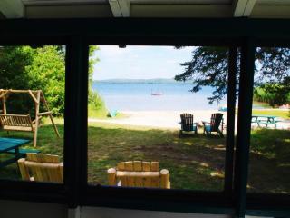 Country Pines Cottage, Lake Bernard - Sundridge vacation rentals