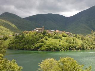 Tuscany-Charming House on the lake in Vagli Sotto - Roggio vacation rentals