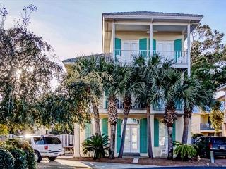 BIG BEACHOUSE FOR 13!  LOTS OF UPDATES! OPEN 11/21 - 28! ONLY $1195 TAX INCL! - Destin vacation rentals