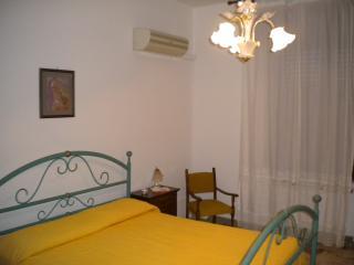 2 bedroom Condo with A/C in Siderno Marina - Siderno Marina vacation rentals