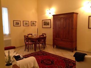 Trilocale in zona centralissima - Ravenna vacation rentals