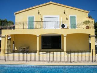 Nice Villa with Deck and Internet Access - Peypin vacation rentals