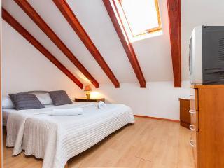 Apartment next to Roman Palace II - Split vacation rentals