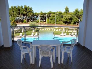 Residence con piscina vista mare - Pineto vacation rentals