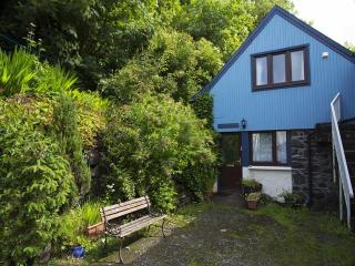 Sunny 2 bedroom Cottage in Tobermory with Internet Access - Tobermory vacation rentals