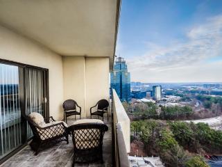 Amazing 2 BDR Penthouse overlooking Atlanta - Atlanta vacation rentals