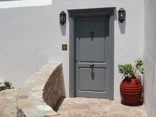 Lovely 2 bedroom Vacation Rental in Hydra Town - Hydra Town vacation rentals