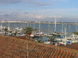 Apartment in front of the Marina/Guadiana river - Vila Real de Santo Antonio vacation rentals