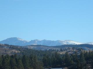 BELL ROCK RETREAT PIKES PEAK VIEW PIKE NL FOREST - Colorado Springs vacation rentals