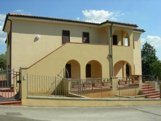 Nice Condo with Porch and Television - Monterotondo Marittimo vacation rentals