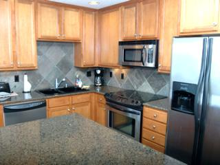 Convenient Condo with Fireplace and Microwave - Rockaway Beach vacation rentals