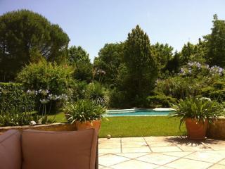 Villa Jeannette. Belle maison de charme centenaire - Aix-en-Provence vacation rentals