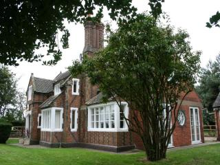 ORGREAVE LODGE, Orgreave, Burton on Trent, Staffordshire - - Staffordshire vacation rentals