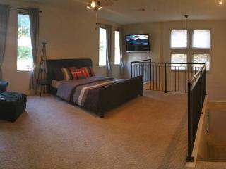 Cozy Uptown Dallas Loft-Location Location Location - Dallas vacation rentals