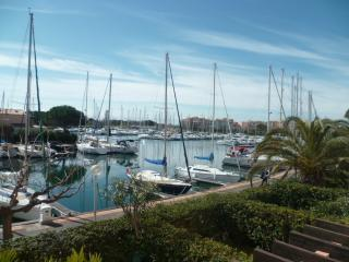 Nice Condo with Elevator Access and Television - Cap-d'Agde vacation rentals