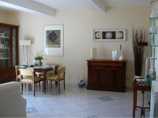 Central charming 4-5beds Apart, 700mt from beach - Terracina vacation rentals