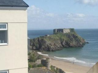 ST MARY'S COURT - NUMBER 3 - Tenby vacation rentals