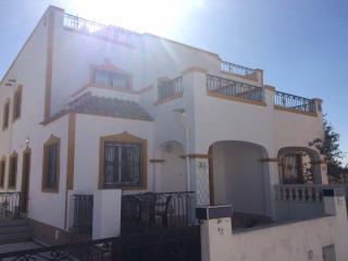 Lovely 3 Bedroomed Villa in Entre Naranjos - Los Montesinos vacation rentals