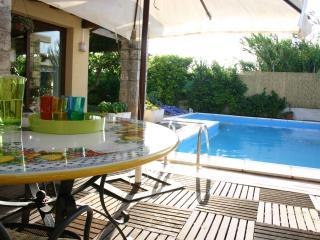 Villa Il Patio con piscina - Cinisi vacation rentals