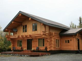 Gorgeous Cabin with Deck and Internet Access - Haines Junction vacation rentals