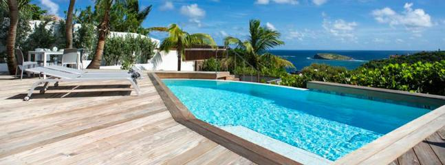 St. Barths Villa 98 You Will Be Charmed By This Very Private Villa, Its Atmosphere And View. - Pointe Milou vacation rentals