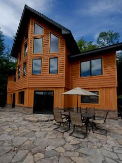 Lovely Chalet with Deck and Internet Access - Wakefield vacation rentals