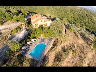 AGRITURISMO CASAVECCHIA-NIBBIO Castiglion Fibocchi - Castiglion Fibocchi vacation rentals
