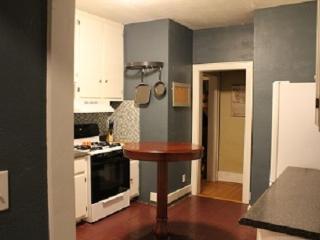 Cozy Craftsman in Midtown, OKC - Oklahoma City vacation rentals