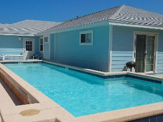 Blue Water Cottage Private home, Sleeps 10-12 w/private pool! - Port Aransas vacation rentals