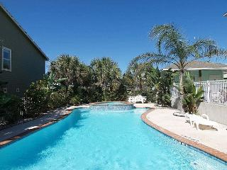 Beyond the Sea, 3 story, 4 BD, 3.5 bath, sleeps 10, walk to beach and pool - Port Aransas vacation rentals