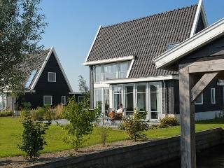 2 bedroom Villa with Deck in Giethoorn - Giethoorn vacation rentals