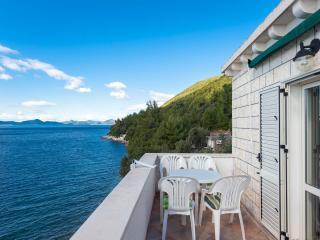 Beachfront two bedrooms apartment - Slano vacation rentals