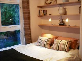 West Kensington Apartment with period features - London vacation rentals