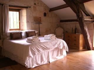 2 bedroom Cottage with Internet Access in Fontevraud-l'Abbaye - Fontevraud-l'Abbaye vacation rentals