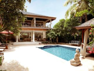Villa Varuna 5 mns walking to double six beach - Legian vacation rentals