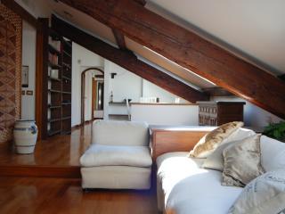 easyhomes Corso Como Maroncelli - 2 bdrs, x 6 pp - Milan vacation rentals