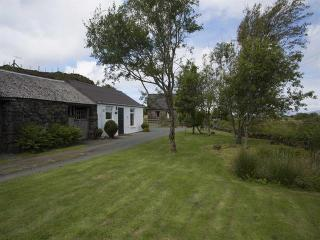 Lovely 1 bedroom Bunessan Cottage with Washing Machine - Bunessan vacation rentals