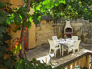 Enchanting house on Gozo, Malta, near beaches, endless water sports and unparalleled history - Victoria vacation rentals